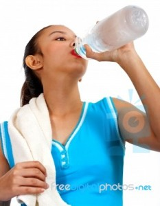 girl-drinking-water-10054792