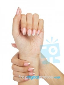 women-hands-with-nail-manicure-100120922
